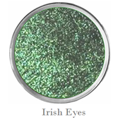 Sparkly green eye shadow st patricks day eye makeup long lasting eye makeup with built in primer Mattify cosmetics crease-free eyeshadow for long wear on oily eye lids irish eyes