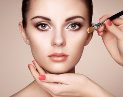 makeup artist tips how to apply concealer under eyes mattify cosmetics non greasy mineral concealer for oily skin and acne prone skin