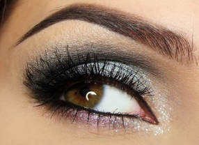 Simple smoky eye look Mattify cosmetics natural makeup long lasting eyeshadow alternative to black smokey eye shadow colors for fall and winter eye makeup for oily eyelids with built in primer sparkly silver eyeshadow with rose gold pink